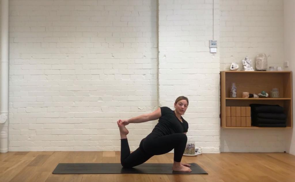 Yoga Refine - Hello Hips