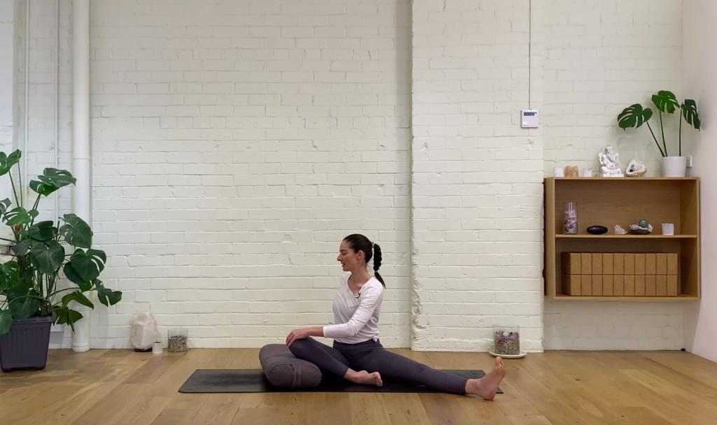 Prenatal Yoga - Prenatal Yin