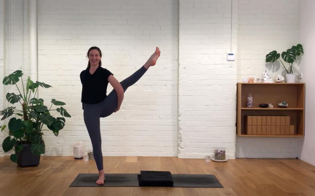 Yoga Evolve - Shoulders Stretched