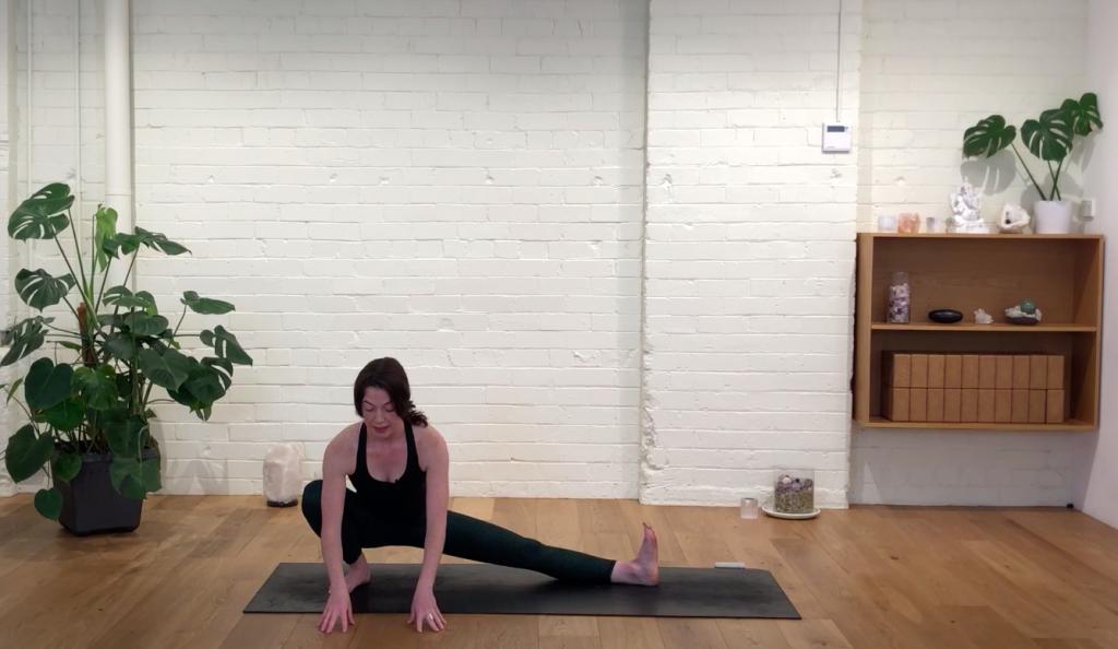 Yoga Evolve - Muladhara Flow