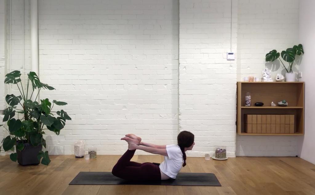 Yoga Evolve Live Stream - Love Movement